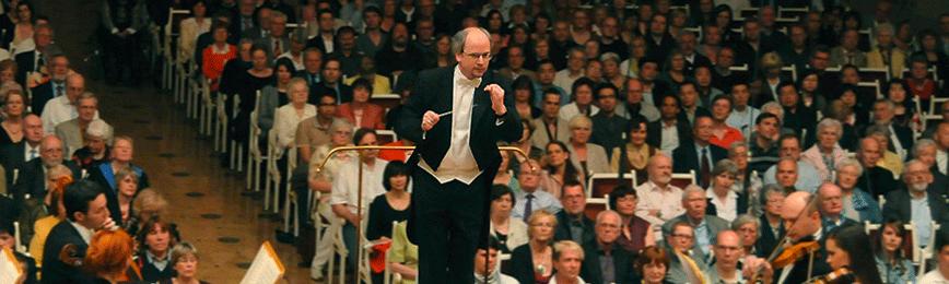 Dirigent und Komponist Thomas Hennig im Konzert